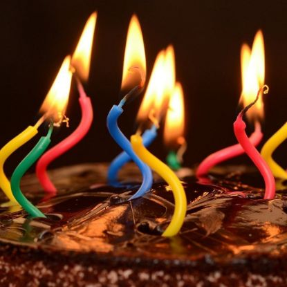 Curved Birthday Candles