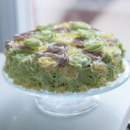 Pineapple Roses Cake